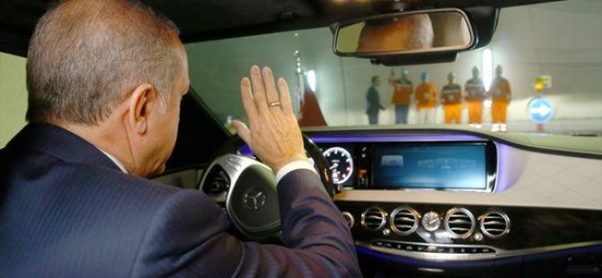 Cumhurbaşkanı Erdoğan,Başbakan Yıldırım Avrasya Tüneli'nden geçti