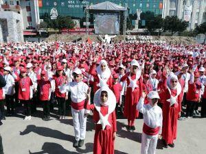 Bin 380 Çocuk İşaret Diliyle Okudu: Rekor Geldi !