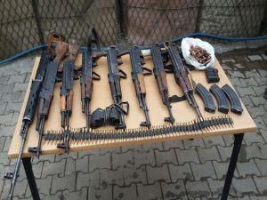 Şırnak'ta 1 Kanas Ve 7 Adet Kalaşnikof Tüfeği Ele Geçirildi