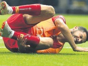 Galatasaraylı Oyuncu Emre Akbaba'nın Sakatlığı Ciddi