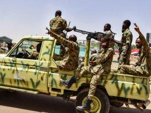 Sudan İstihbarat Başkanı İstifa Etti!