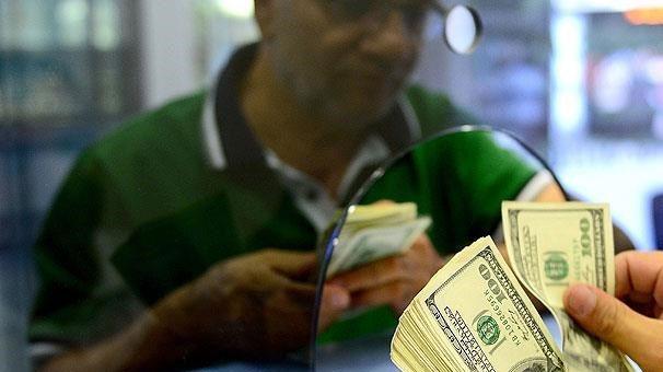 Vatandaş 1. 6 milyar dolarlık döviz sattı