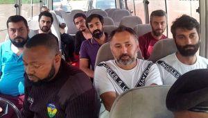 Kaçırılan Türk denizciler Türkiye'ye geldi