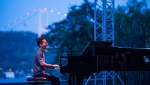 Cazı harmanlayan piyanist Shirinov İstanbul'daydı