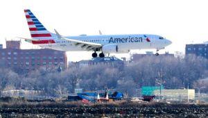 Müslüman yolcu 'sifonu iki kez çekti' uçuş iptal edildi