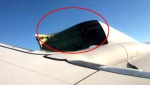 Uçağının motor kapağı açıldı! Yolcular Panik içinde Kaldı