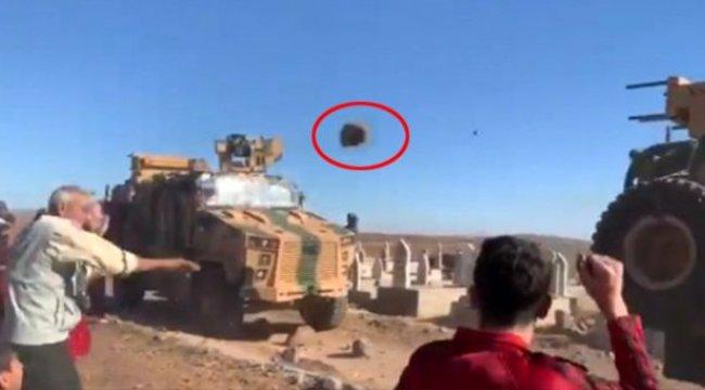 ABD askerlerine 'Nolur gitmeyin' sarılan Teröristler Türk askerine taş fırlattı