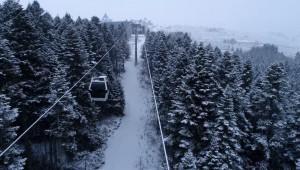 Uludağ'da kar yağışı etkisini gösterdi!