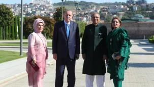 Cumhurbaşkanı Erdoğan Pakistan Cumhurbaşkanı İle Bir Arada