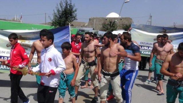 3. Uluslararası Altın Kemer İçin Güreştiler
