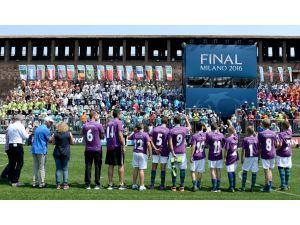 Genç Futbolcular, Dostluk İçin Milano'da Buluştu