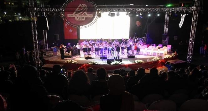 Aliağa Belediyesi Sanatevi, 'Batı Müziği Konseri' düzenledi