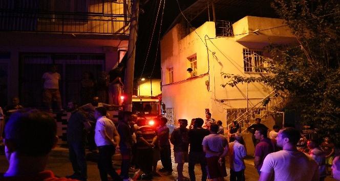 3 kişi evinde pompalı tüfekle vurularak öldürüldü