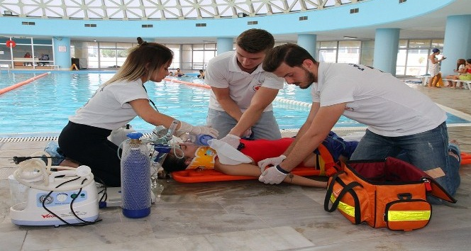 Türkiye'de yılda ortalama bin 500 kişi suda boğularak yaşamını yitiriyor
