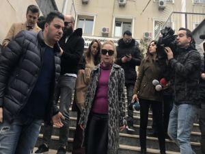 Şarkıcı Ece Seçkin'in Annesine Gasp Dehşeti