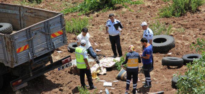 Kilis'te, kamyon şarampole yuvarlandı: 1 ölü
